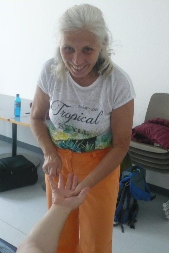 19-09 Meridian Ausgleichs Massage Frankfurt (6)