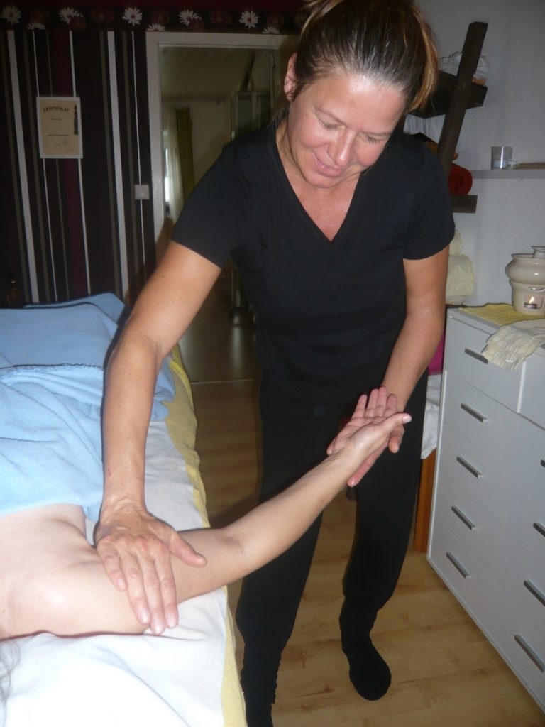 19_10_Meridian_Ausgleichs-Massage (2)