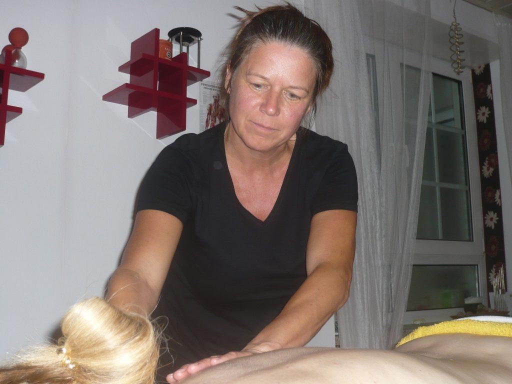 19_10_Meridian_Ausgleichs-Massage (7)
